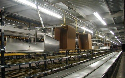 Overhead Chain Conveyor Aids Order Picking and Trash Removal