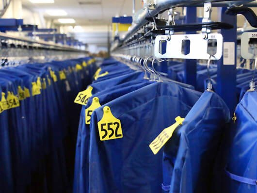 Overhead conveyors for garment automated storage and retrieval