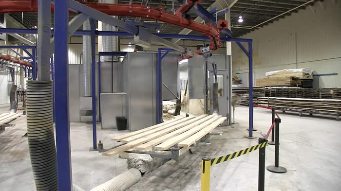 Heavy duty overhead conveyor with special 20' carriers