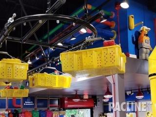 Toy-Store-Creative-Display-Conveyor